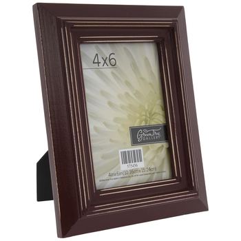 "Red Distressed Wood Frame - 4"" x 6"""