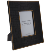 "Black & Gold Alligator Wood Frame - 4"" x 6"""