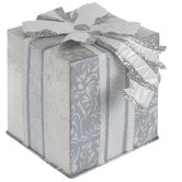 Silver & White Damask Metal Present