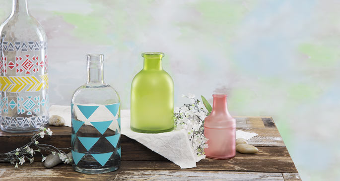 Decorating With Glassware: Show Your Colors